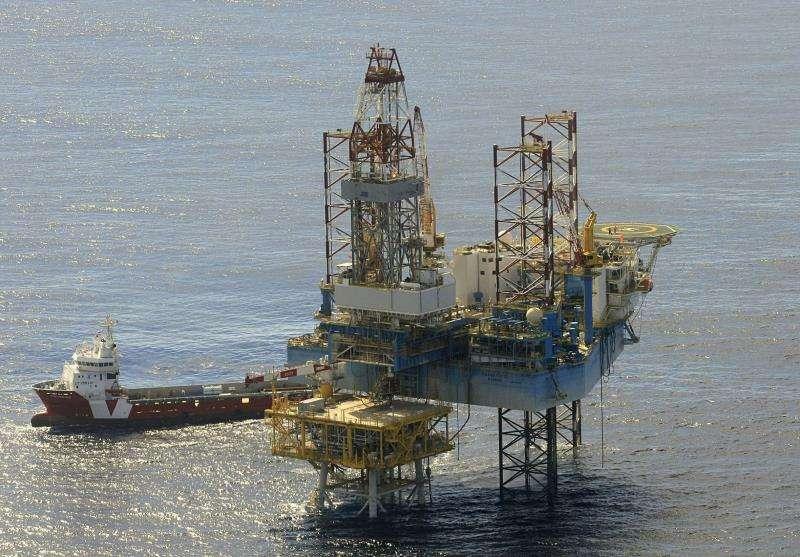 Fotografía de archivo (Vinarós (Castellón), 11/10/2010) de la plataforma del almacén subterráneo de gas natural del Proyecto Castor, situado a 22 kilómetros de la costa de Vinaròs (Castellón). EFE/Archivo