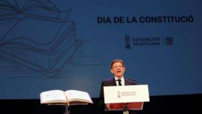 Puig, durante su intervención en la Celebración del Día de la Constitución. EFE