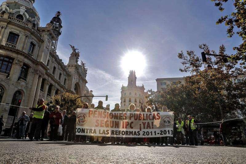 La Coordinadora valenciana en defensa del sistema público de pensiones celebra una manifestación