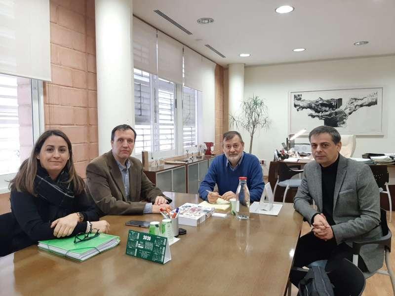 Reunión de los representantes sindicales con el director general de Educación. EPDA
