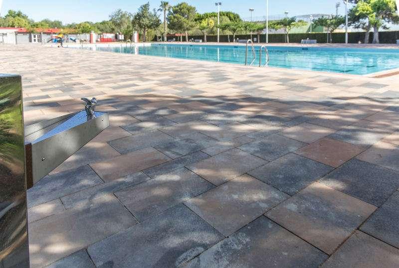 desde mitad de junio y hasta mitad de septiembre una de On piscina mislata