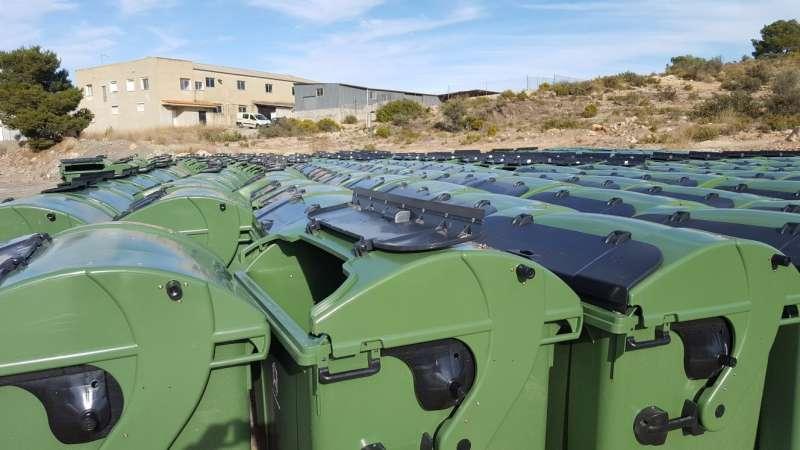 Comencen els treballs de substitució dels contenidors de residus sòlids a Vilamarxant