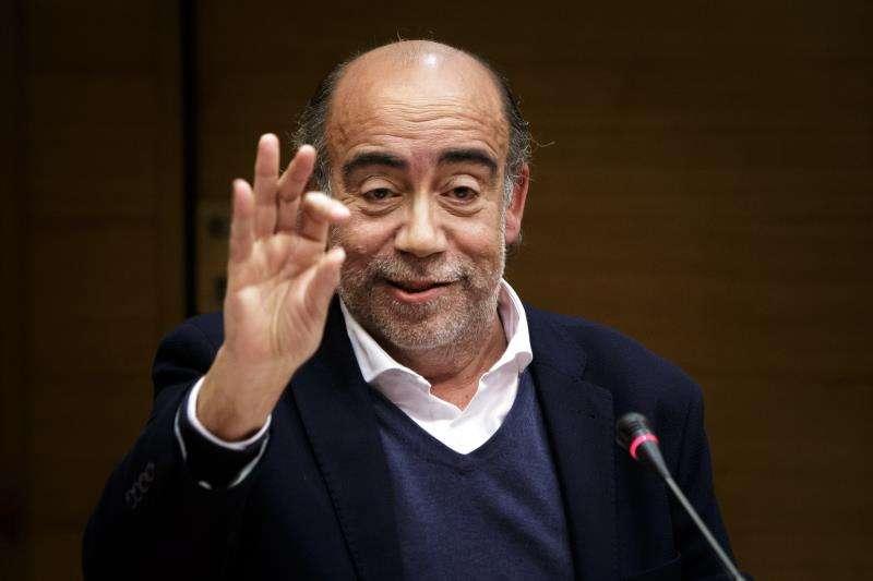Uno de los exresponsables de la empresa de comunicación Crespo Gomar, José Crespo, durante la Comisión de investigación que se siguió en Les Corts Valencianes sobre la financiación electoral del PSPV y Bloc. EFE/Archivo