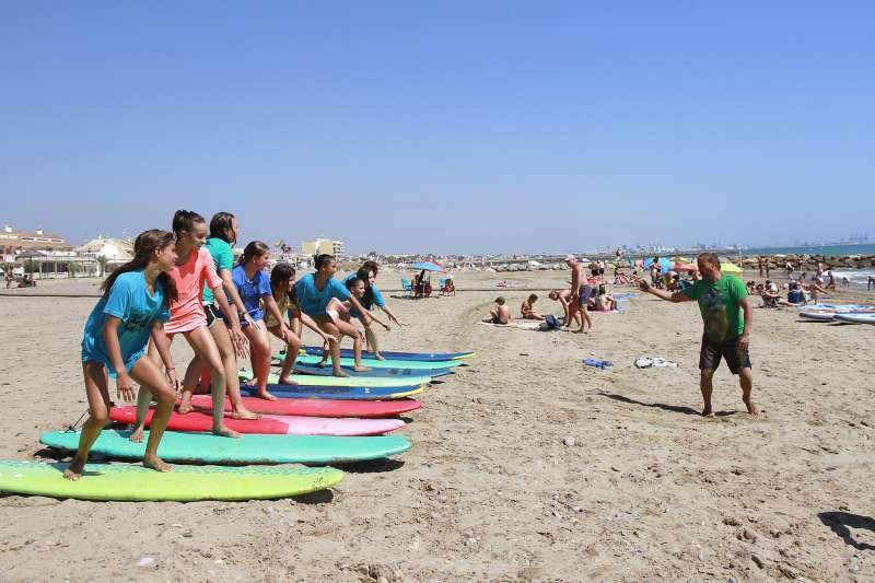Actividadesde surf en Puçol. EPDA