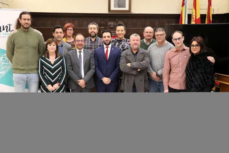 El alcalde de Sagunto y miembros del Equipo de Gobierno junto con el embajador de España ante la UNESCO.