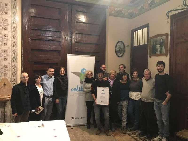 Miembros de la Fundació Horta Sud, SETEM y los galardonados, ayer en el Museu Comarcal de l
