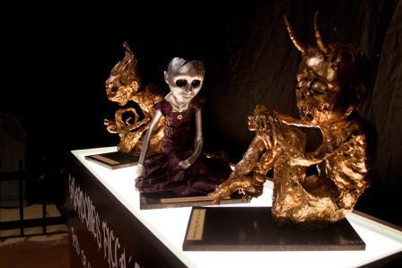 Los Fetos de Oro y la Muñeca Rota, estatuillas del Festival Catacumba. Foto: Sergi Inclán