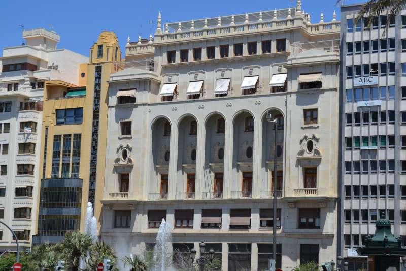 Fachada del Ateneo Mercantil, donde tendrá lugar la entrega de premios. EPDA