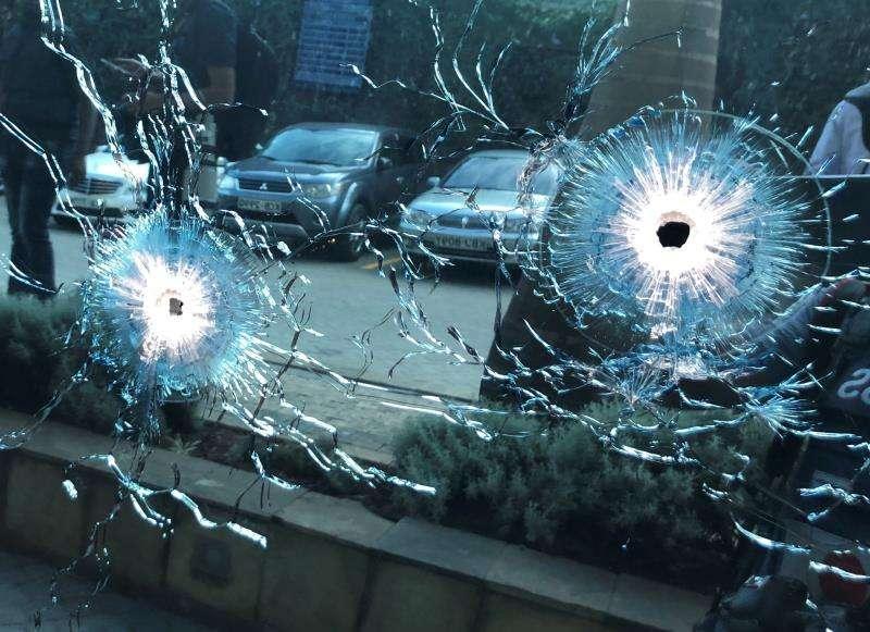 Agujeros de bala en el lugar de un tiroteo. EFE/Archivo