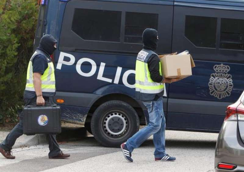 Imagen de archivo de una operación contra el yihadismo en Alicante. EFE