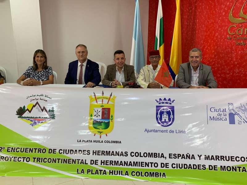 Instante de la firma del acuerdo de hermanamiento. / EPDA