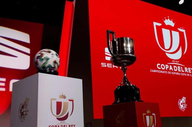 Escenario del sorteo de la primera eliminatoria de la Copa del Rey. EFE/Zipi