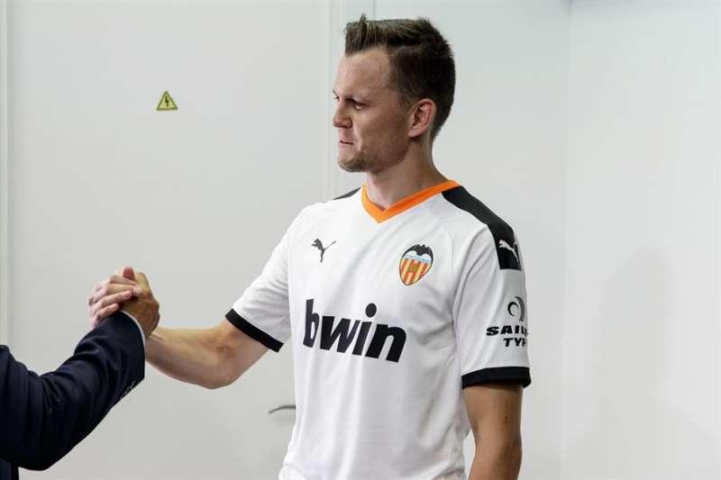 El futbolista del Valencia CF Denis Cheryshev. EFE