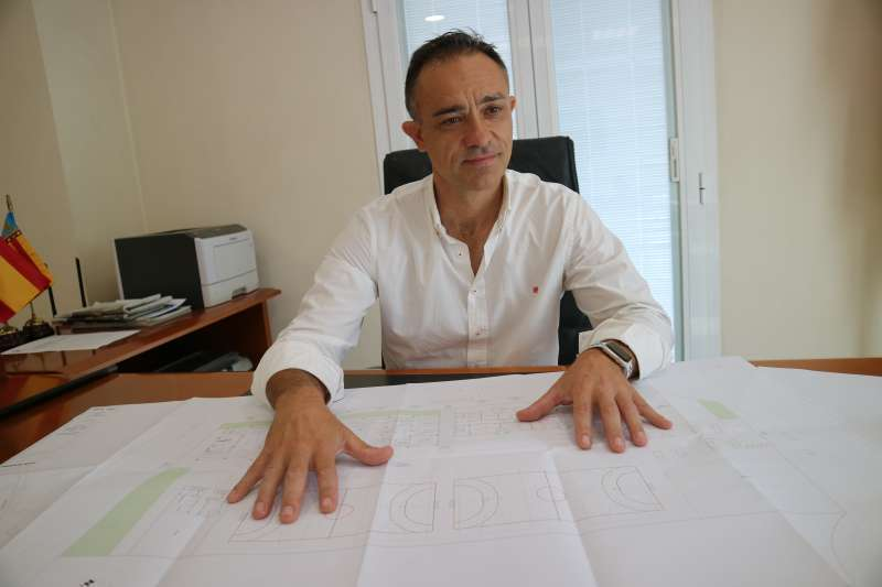 Enrique Santafosta durante la entrevista concedida a El Periódico de Aquí