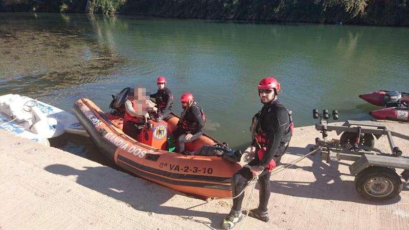 Buceadores se unen a la búsqueda del piragüista desaparecido. EFE/Consorcio Bomberos Valencia