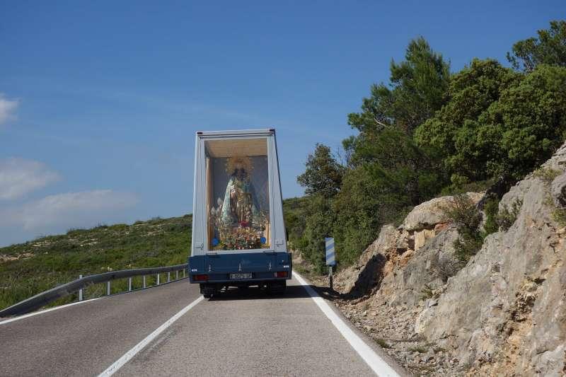 Virgen de los Desamparados por la carretera. EPDA.