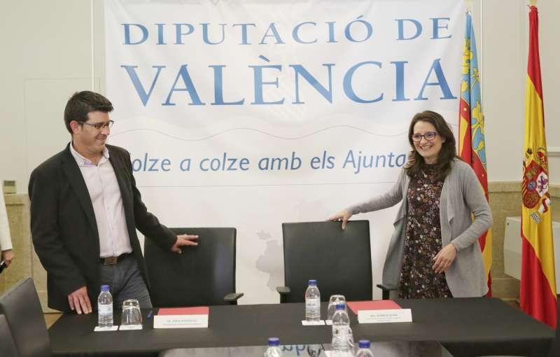 Jorge Rodríguez y Mónica Oltra en rueda de prensa