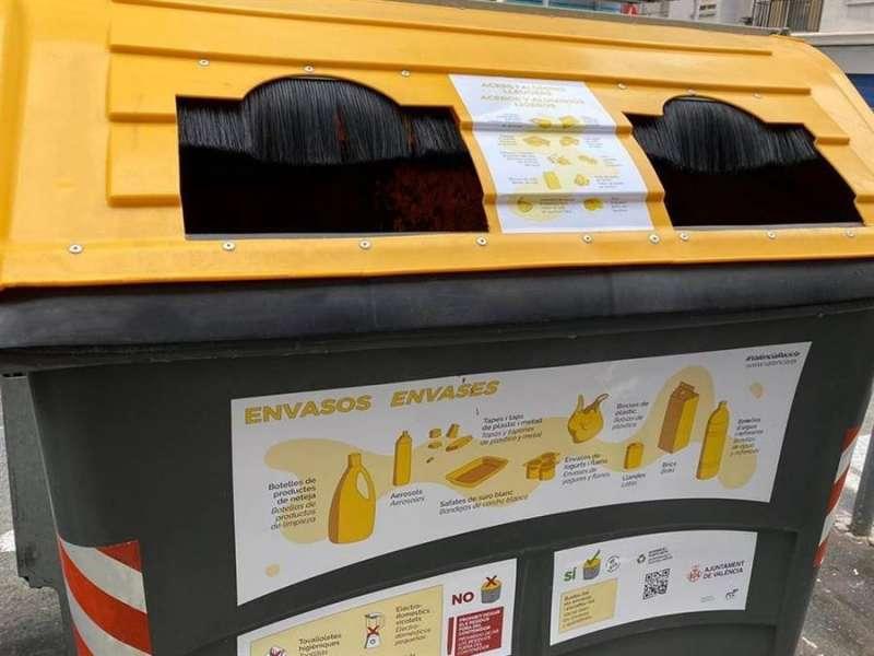 Un contenedor amarillo de la ciudad de València. EFE/Ayuntamiento