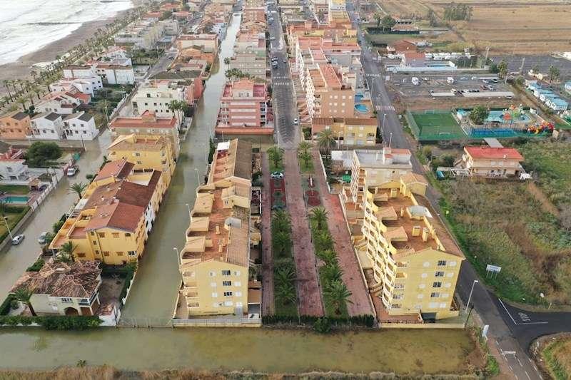 Imagen facilitada por el Ayuntamiento de Moncofa de las calles anegadas en el municipio. EFE