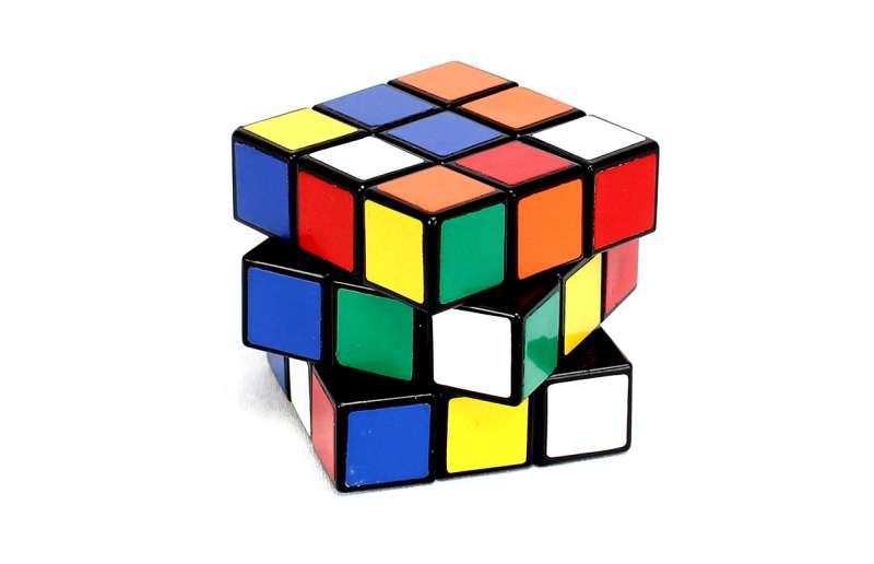 Cubo de Rubik, uno de los juegos típicos de la década. EPDA