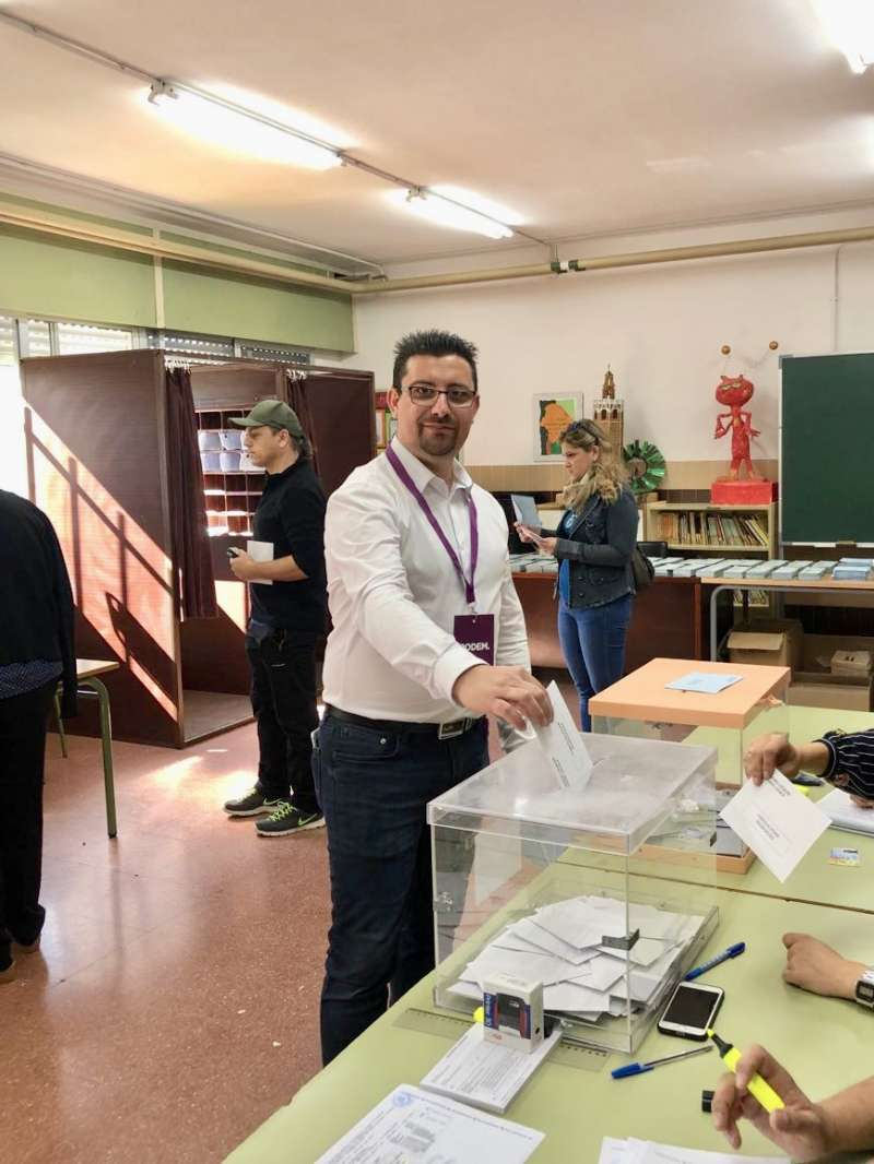Sergio Moreno en el momento de la votación. EPDA