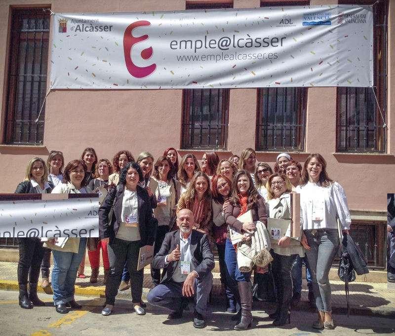 Las mujeres de Lanza-t en el foto de empleo de Alcàsser. EPDA