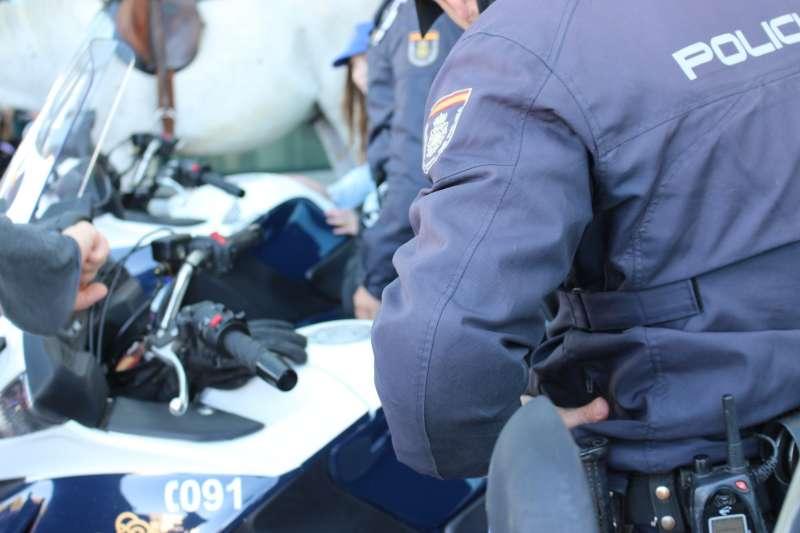 Agentes de la Policía Nacional en un servicio en València. EPDA