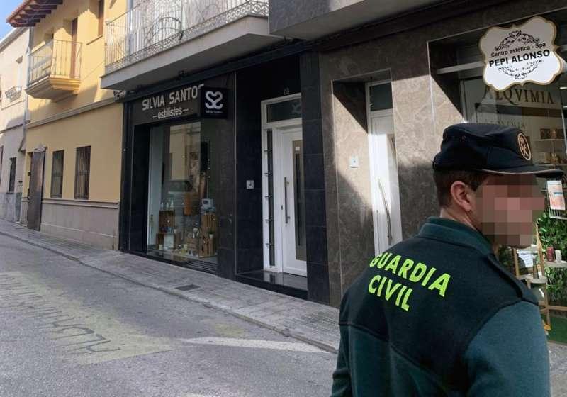 La Guardia Civil, en una vivienda en la localidad valenciana de L