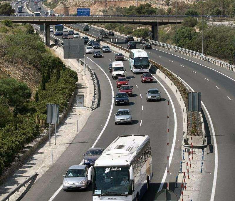 Imagen de la AP-7 a su paso por Alicante. EFE/Archivo