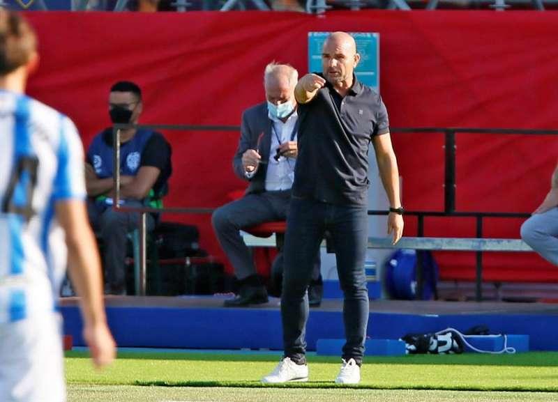 El entrenador del Levante, Paco López, reacciona durante el encuentro de Liga Santander entre la UD Levante y la Real Sociedad. EFE / Archivo