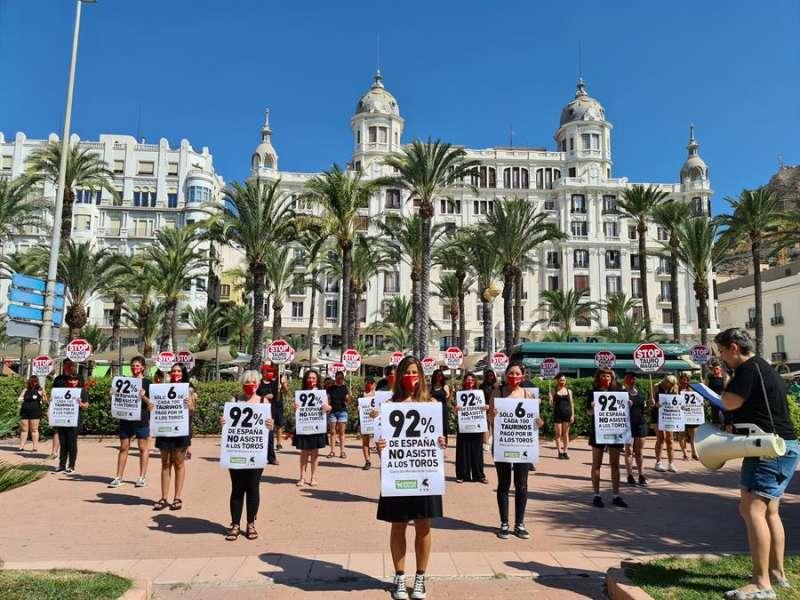 La protesta de AnimaNaturalis, en una imagen facilitada por la organización.