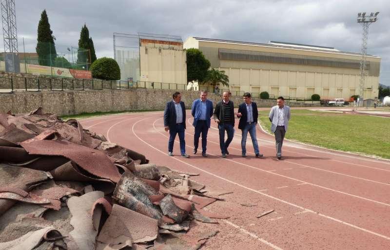 Visita a les obres de la pista d?atletisme del poliesportiu municipal d