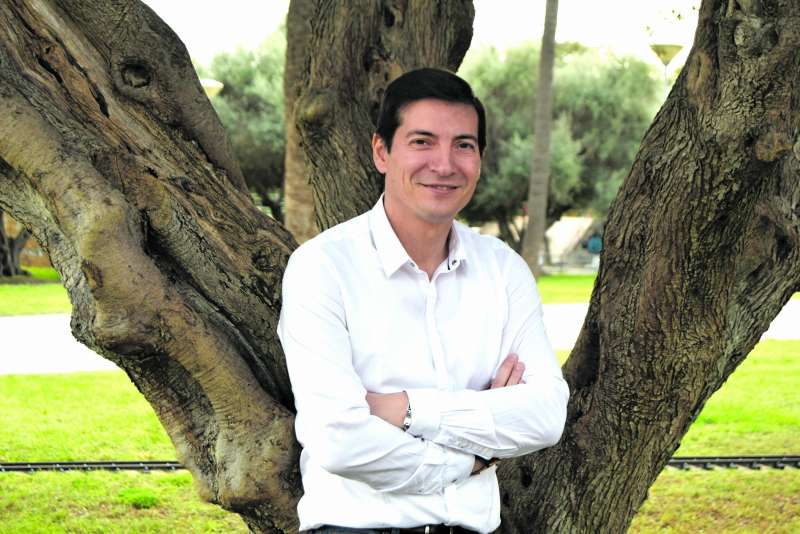 El candidato a la Alcaldía de Burjassot por el PSOE, Rafa García. / epda