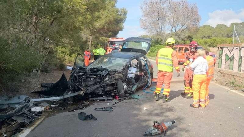 Brutal accidente de tráfico en Sagunto el que la conductora muere en el acto.