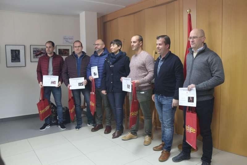 Premiados con representantes del ayuntamiento