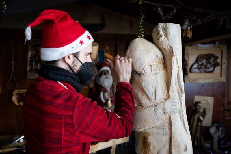 Actividades infantiles en el mercado navideño / EPDA