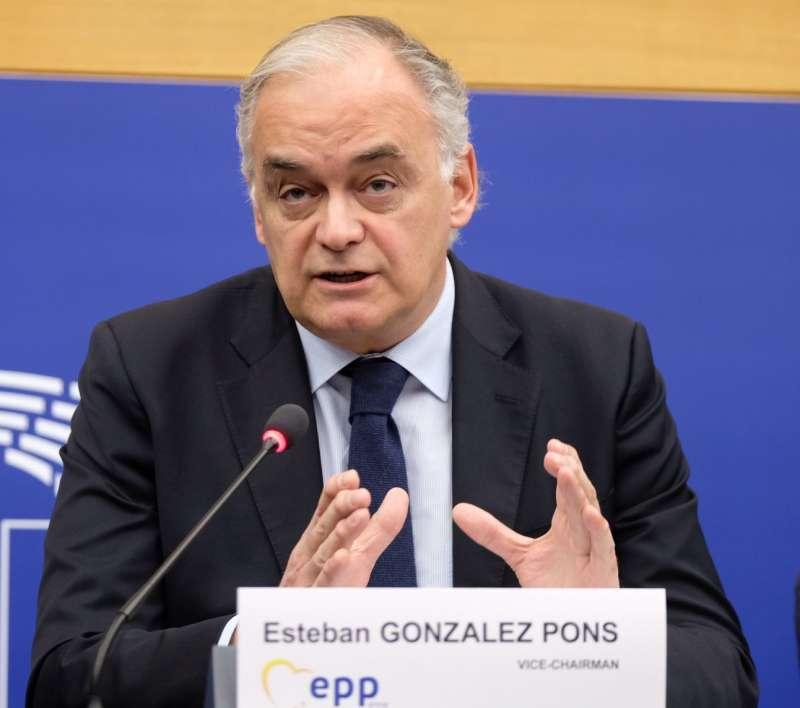 Gonzalez Pons. EPDA