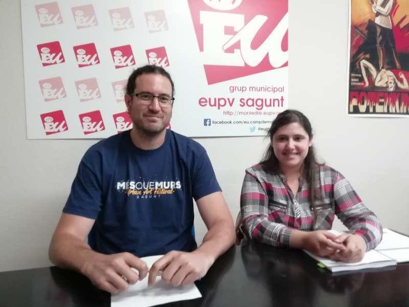 Guillermo Sampedro junto a Roser Maestro. EPDA