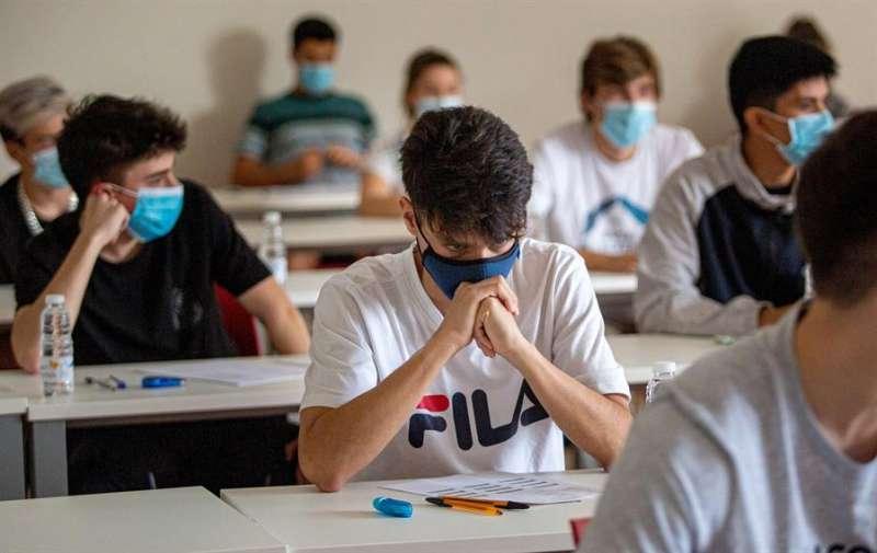 Las universidades deberán definir un espacio para el aislamiento de la persona detectada como caso sospechoso.. EFE/ Raquel Manzanares/Archivo