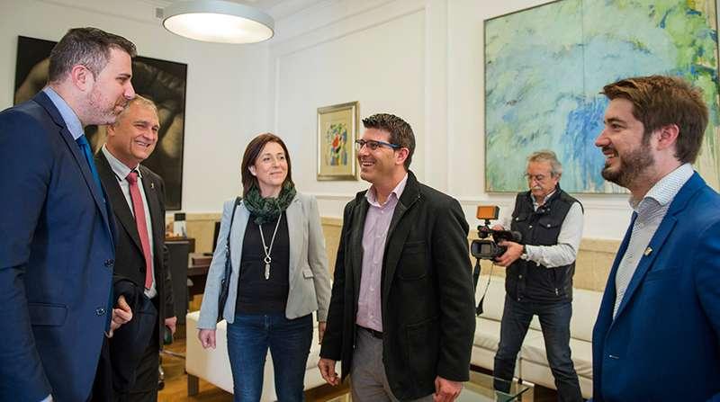 El presidente de la Diputación apoya la iniciativa  cultural de los tres municipios. EPDA.