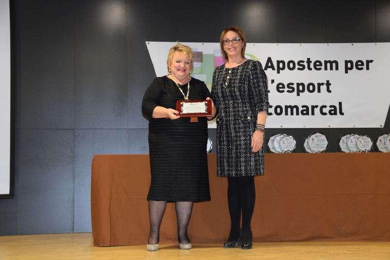 La diputada de Benestar Social i Educació, Mercedes Berenguer,  i la presidenta de la Mancomunitat del Camp de Túria i alcaldessa de Marines, María Dolores Celda