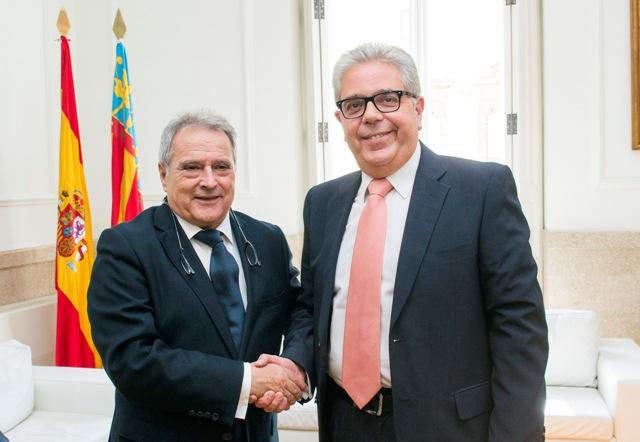 El presidente Alfonso Rus junto a Juan José Medina, vicepresidente y alcalde de Moncada. FOTO: DIVAL