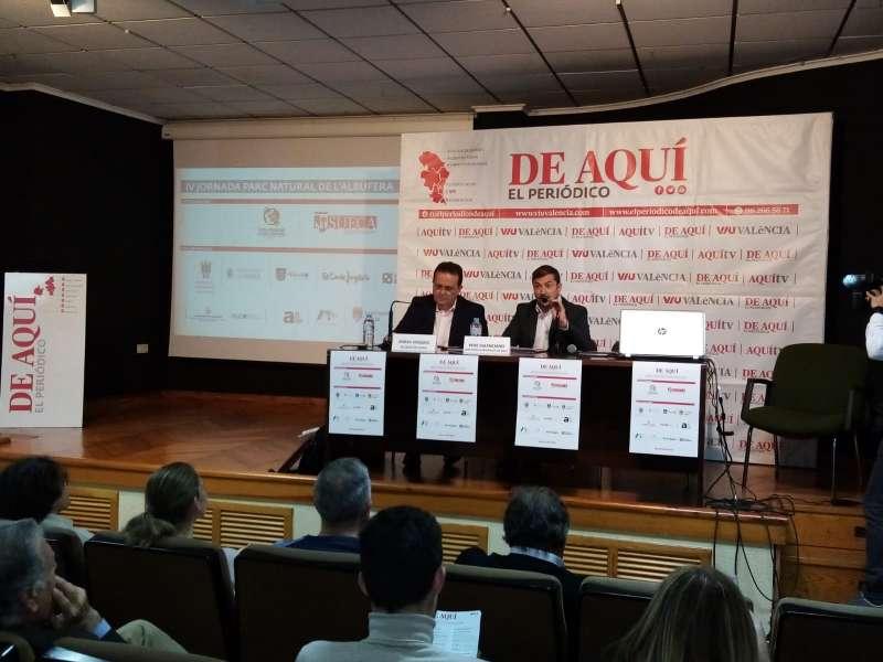 Herminio Boira junto al director del Grupo El Periódico de Aquí, Pere Valenciano. EPDA