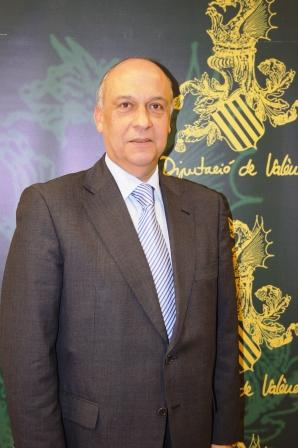 El diputado de Asesoramiento y Asistencia Municipal, Francisco Lledó. Foto dival.es