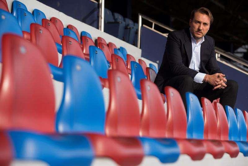 El presidente del Levante, Quico Catalán en el estadio Ciutat de València. EFE/Archivo