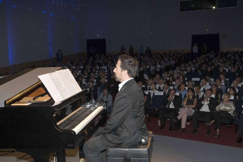 Alberto de Paz amenizó la gala celebrada en Canet d