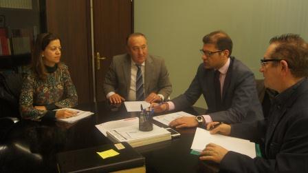 Visita del alcalde de la Pobla de Farnals a Diputación. Foto: Abulaila
