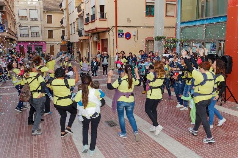 Flashmob asociación amamanta de Mislata