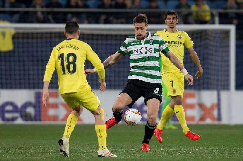 El centrocampista del Villarreal Javi Fuego. EFE