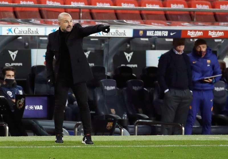 El técnico del Levante, Paco López, durante un partido de su equipo. EFE/Archivo